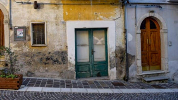 Beautiful Italian town sells ready-to-occupy homes at bargain prices | Rickshaw Journey