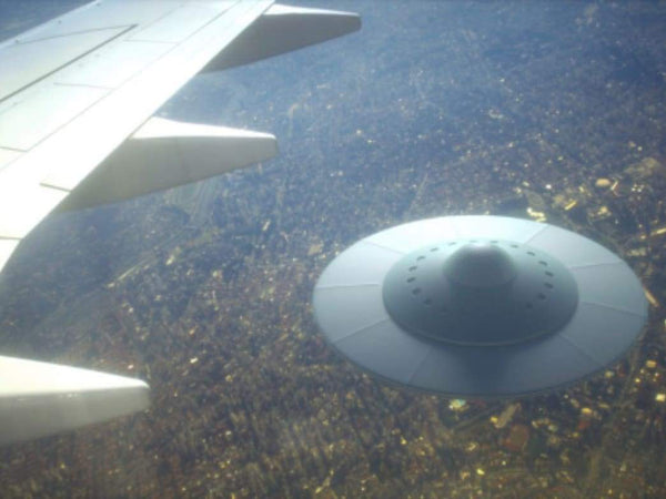 UFO Nearly Collided with Plane at London Heathrow. People are Glamping in an Airport. | Rickshaw Journey