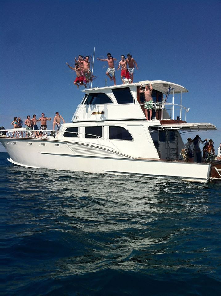 Roatan Private Yacht Charter 4 Hrs To Snorkel Jet Ski Party West Bay Tours