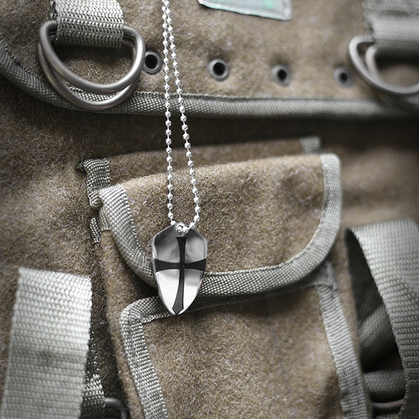 Pendant shield of faith be strong and courageous joshua 19b pendant shield of faith be strong and courageous joshua 19b stainless steel aloadofball Choice Image