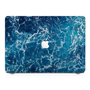 This lightweight, slim hardshell with Ocean design is easy to install and fits closely to protect against scratches