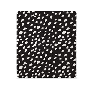 the Front View of Personalized Kindle Oasis Case with Polka Dot design - swap