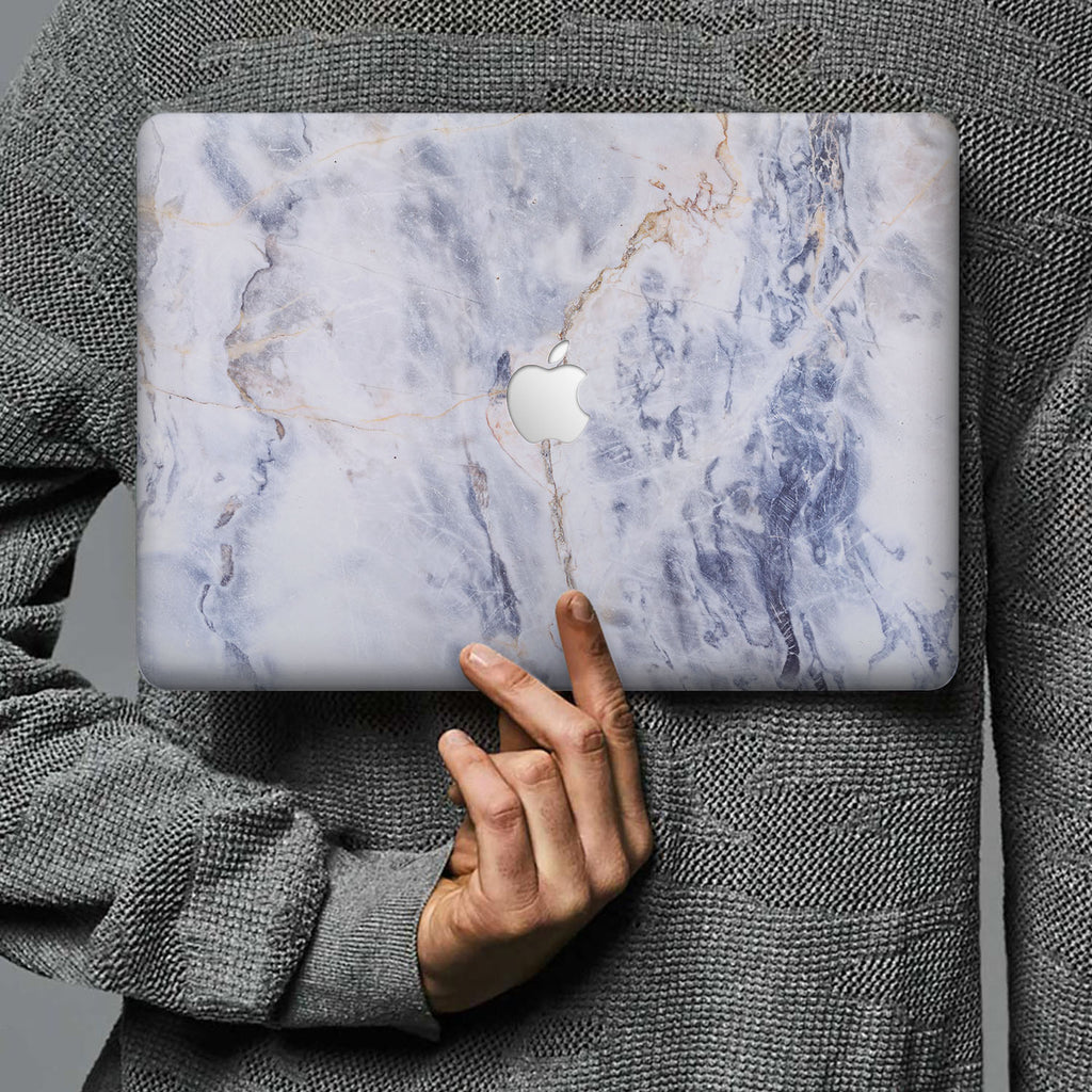 Form-fitting hardshell with Marble design keeps scuffs and scratches at bay