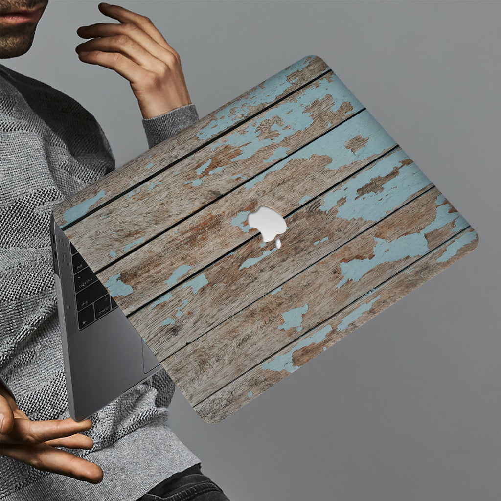 hardshell case with Wood design holds up to scratches, punctures, and dents