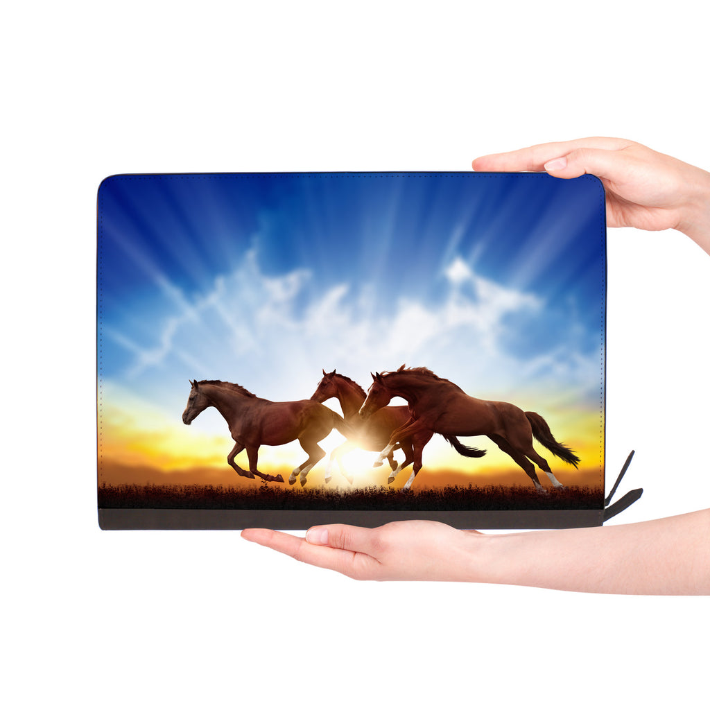 macbook air inside of personalized Macbook carry bag case with Horse design
