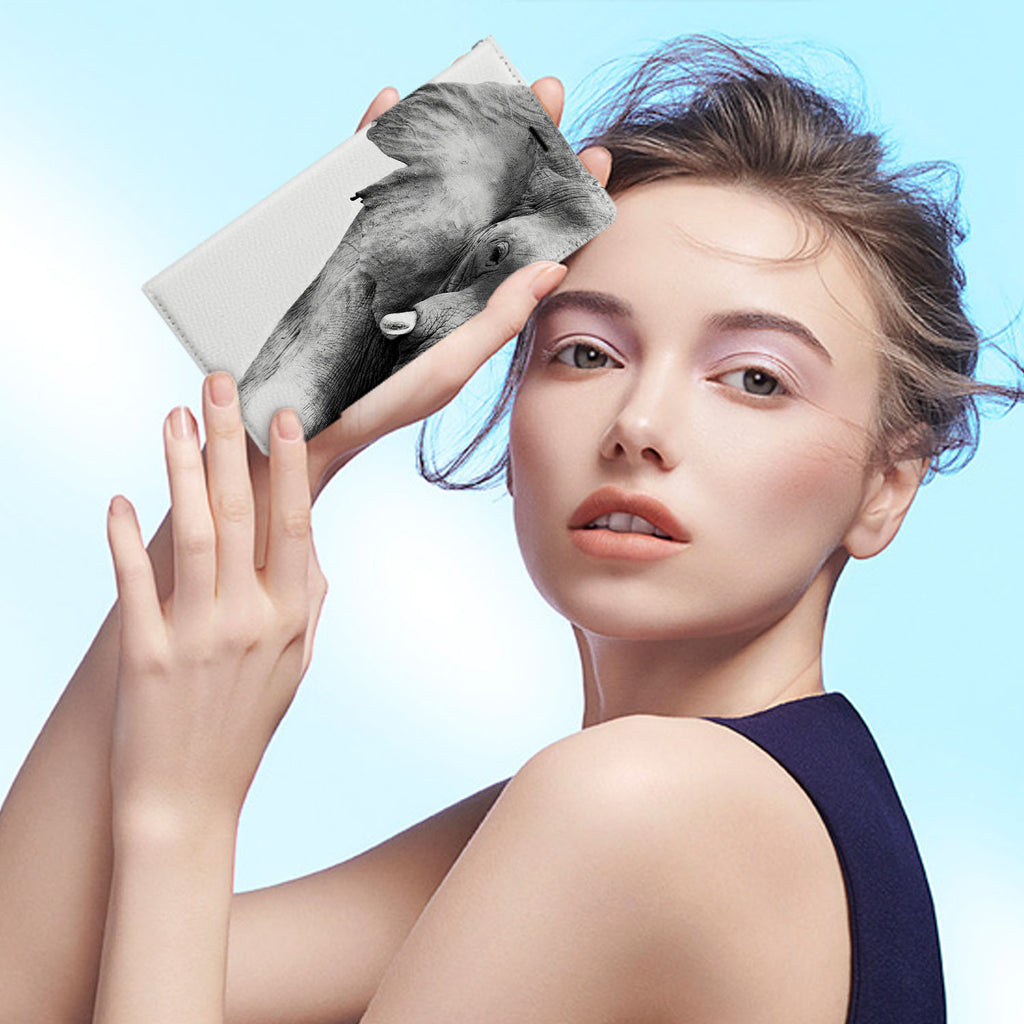Personalized iPhone Wallet Case with Elephant desig marries a wallet with an Samsung case, combining two of your must-have items into one brilliant design Wallet Case.