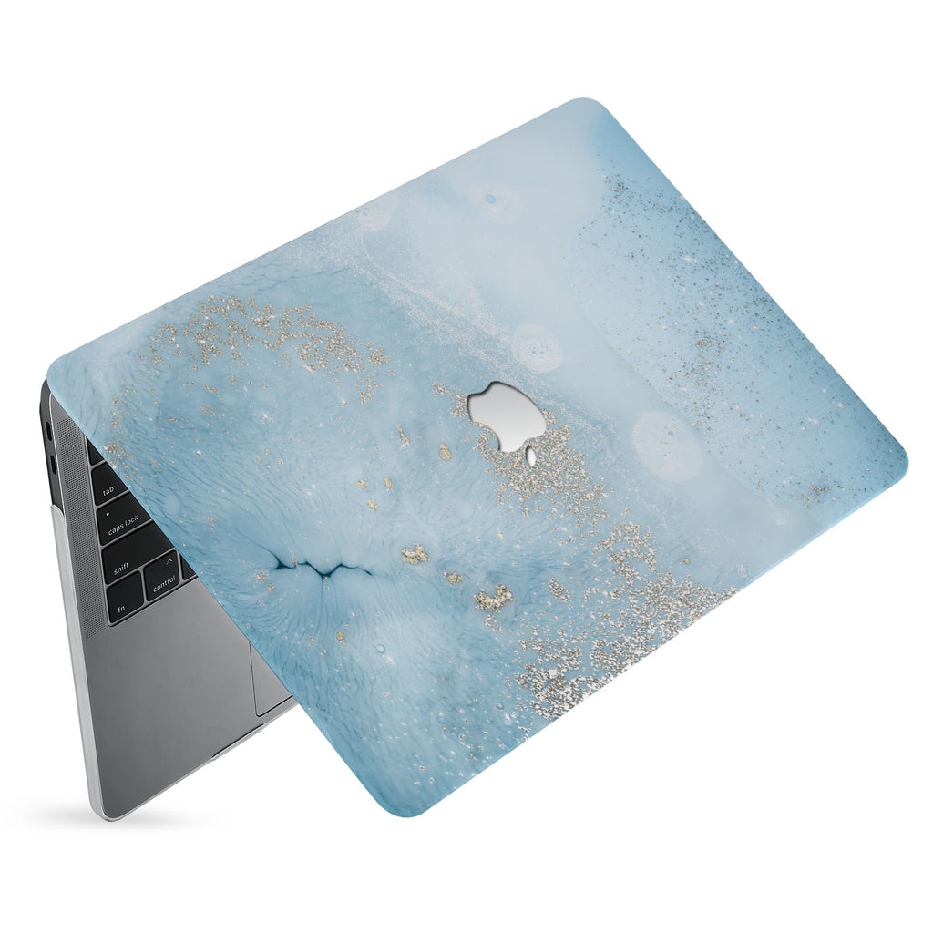 hardshell case with Marble Gold design has matte finish resists scratches