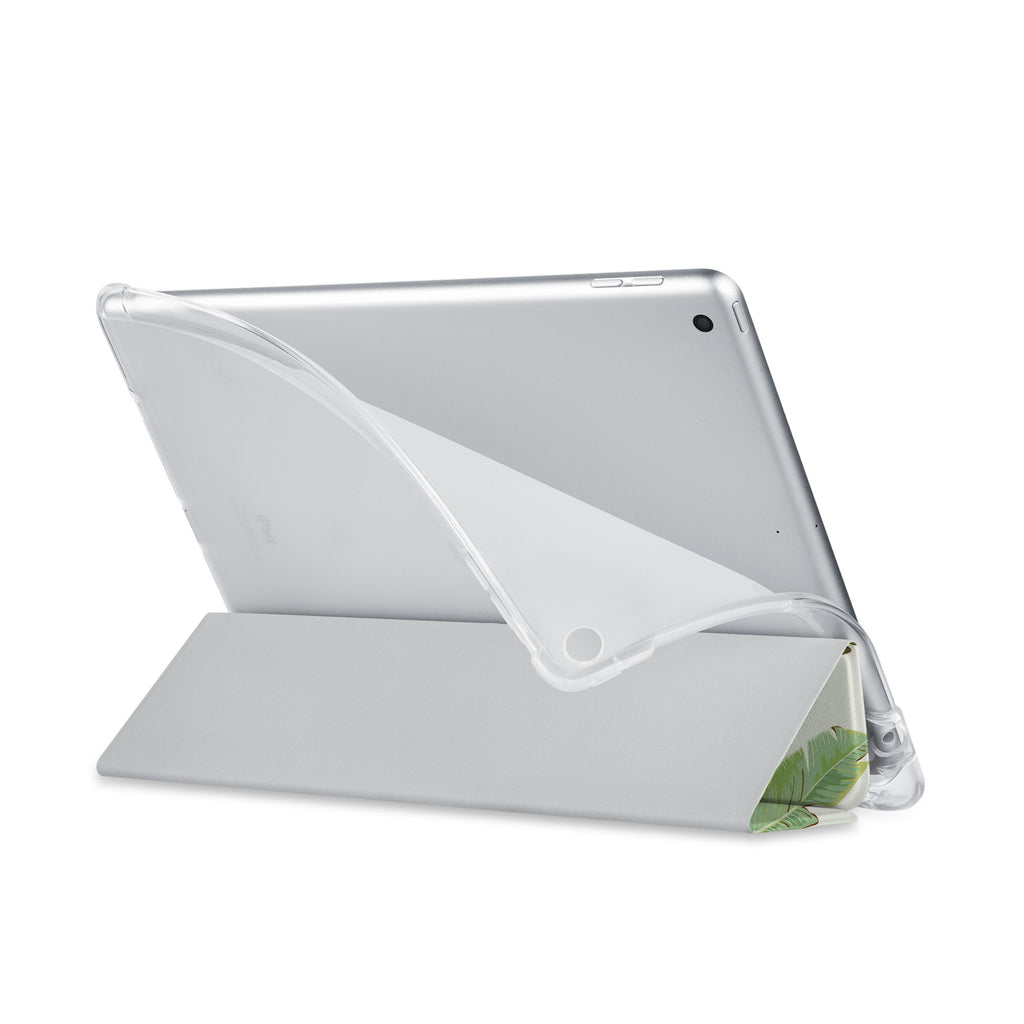 Balance iPad SeeThru Casd with Green Leaves Design has a soft edge-to-edge liner that guards your iPad against scratches.