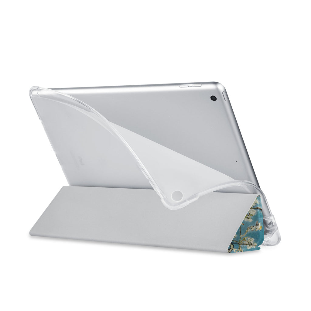 Balance iPad SeeThru Casd with Oil Painting Design has a soft edge-to-edge liner that guards your iPad against scratches.