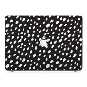 This lightweight, slim hardshell with Polka Dot design is easy to install and fits closely to protect against scratches