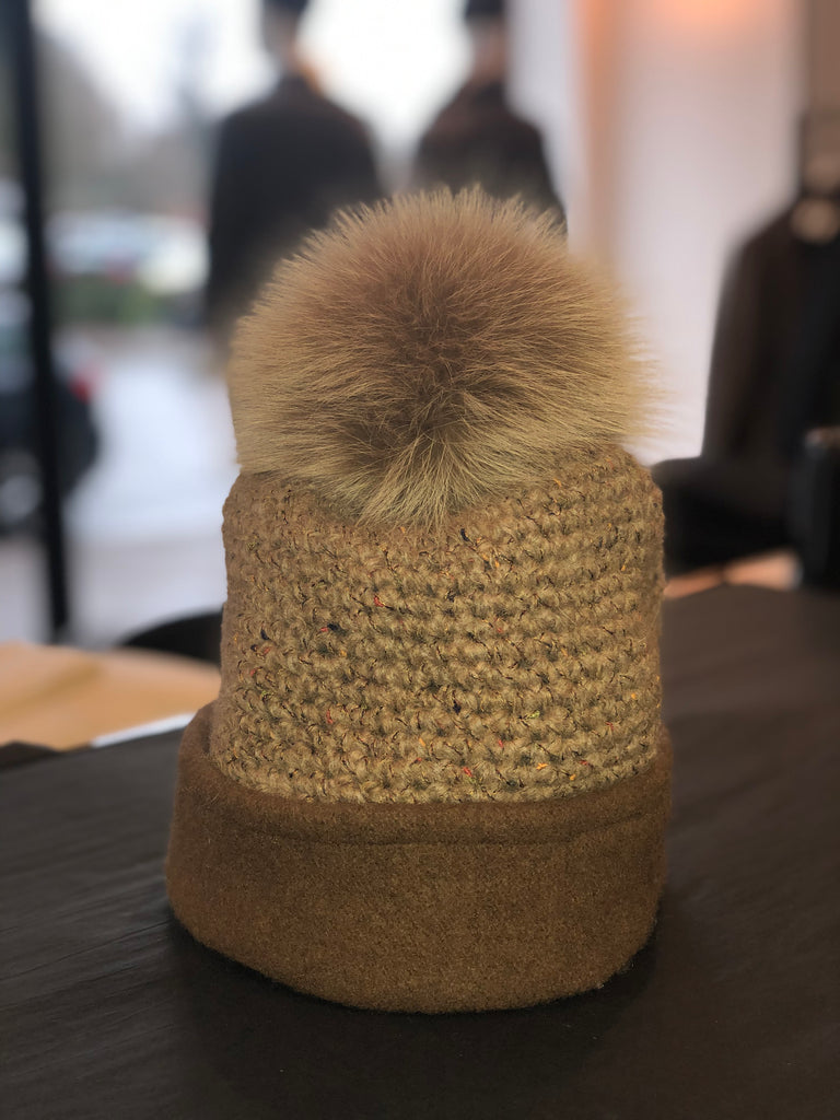 MARZI Tan fox fur beanie