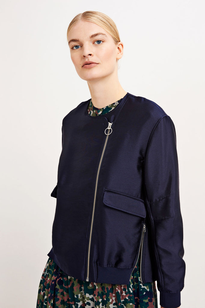 A quirky update on a classic navy jacket from Samsoe.  Perfect for transitional weather going into Spring.  Pair with our gorgeous South Parade tees.