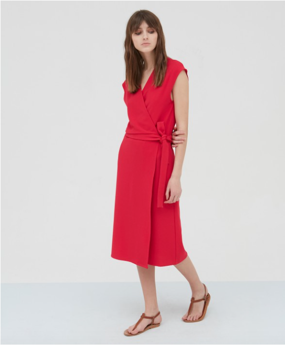 Pretty easy to wear wrap dress from Hartford - effortless Summer dressing!  95% Polyester & 5% Elastane.