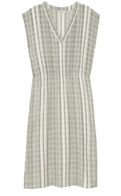 Lightweight relaxed cotton dress from Hartford.  Perfect for a Summer's day!  100% Cotton.
