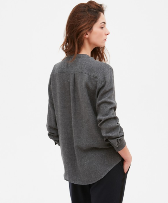 Classic Carta shape from Hartford in a lovely grey with a very light fleck of lurex.  Great paired with printed trousers or always looks lovely with jeans.