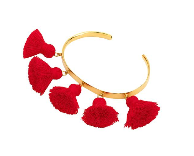 The Raquel Tassel bracelet, fun and the perfect holiday companion. Perfect on its own or wear with your other bangles, the more the merrier!  5mm wide  24k Gold plated on 925 Sterling Silver  SMALL fits a wrist from 150mm to 170mm MEDIUM fits a wrist from 170mm to 190mm LARGE fits a wrist from 180mm to 200mm