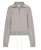 The Buckingham Half Zip Jacket from Varley featured a relaxed fit, a soft textured feel and a drawstring at the waist.  Upgrade your leisurewear wardrobe with this fab sweatshirt and pair it with the matching Alice Sweatpants.  Comfy enough for home but will make you feel stylish when you're out and about.