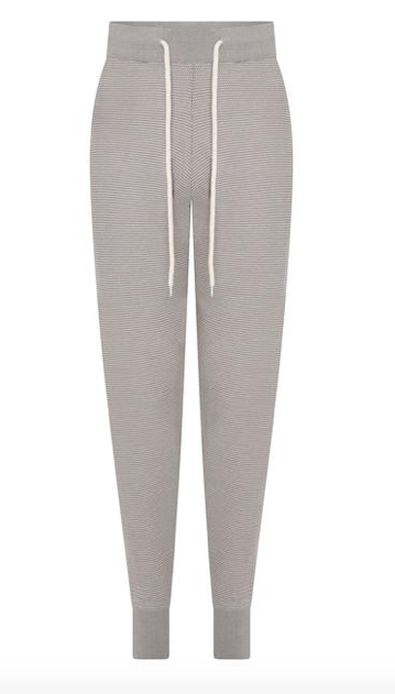 Say hello to the Alice Sweatpant from our favourite athleisurewear brand Varley.  Featuring a relaxed fit, drawstring waist and flattering exaggerated fitted cuffs these will upgrade your work out/relaxing at home wardrobe.  Pictured here with the Buckingham Half Zip sweatshirt from Varley this is a comfortable yet stylish choice.