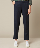 Mid-rise dark navy Paolo trousers from Hartford with an elasticated waist. Two side pockets and two piped buttoned pockets make these a great choice for casual weekend wear with a trainer.