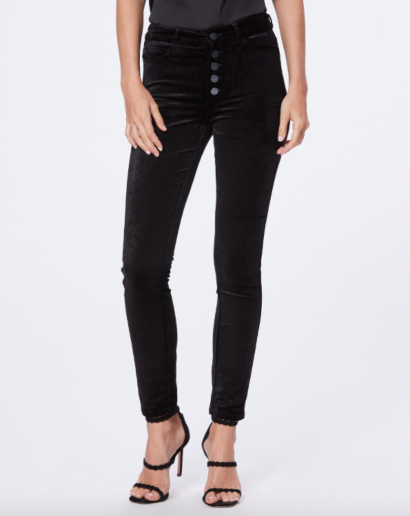 This velvet black Ankle Peg Hoxton Jean with exposed buttons will add a bit a glamour to your usual jean uniform.  Sitting just ever so slightly above the belly button the jeans are crafted from a very soft stretch velvet which give an incredibly comfortable fit and a slight sheen.  This ultra skinny style has a slightly straighter fit across the calf.  Pair these with a silky camisole and they will take you into the evening with style.