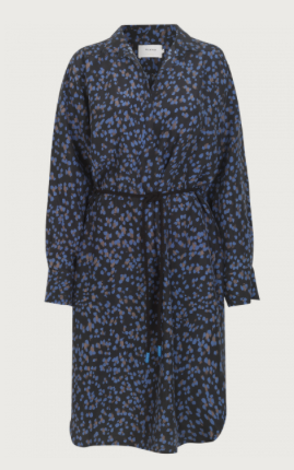 Munthe have done it again - a great dress that you will want to wear and wear.  This shirtdress in a pretty petrol and black print has a small collar with button closure and ties at the waist.  It comes with a rope belt that you can use to cinch in the waist or leave hanging for a more relaxed effortless look.