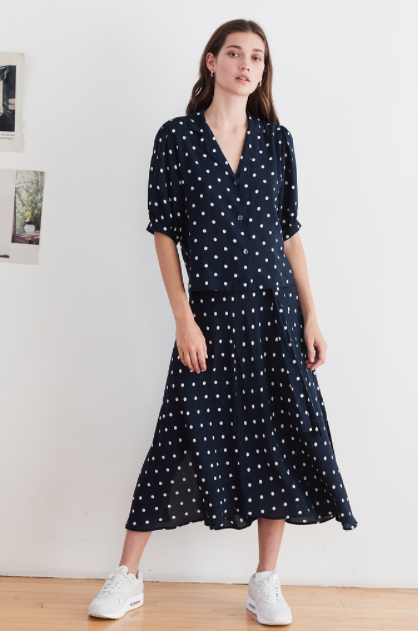 Here's a pretty little spotted midi skirt which will skim your hips and fit beautifully.  Crafted from Velvet's signature woven challis, this skirted beauty features a hidden side zipper and also slits on the sides which give great movement.  Pair with white trainers for an easy relaxed look.