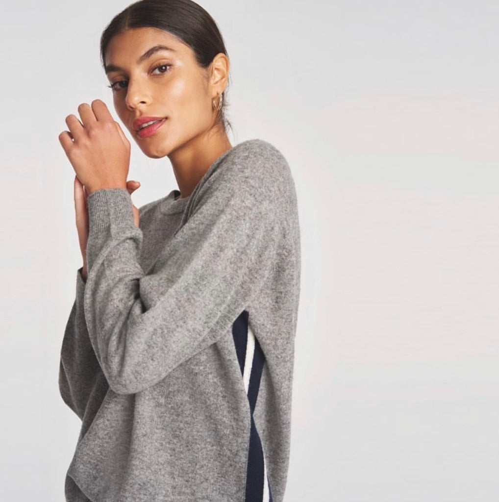 Gorgeous comfy relaxed cashmere from Jumper 1234.  In the yummiest softest cashmere this is just the jumper you want for right now.  Pair with jeans to go out or your comfies at home.  Perfect for lazy weekends!