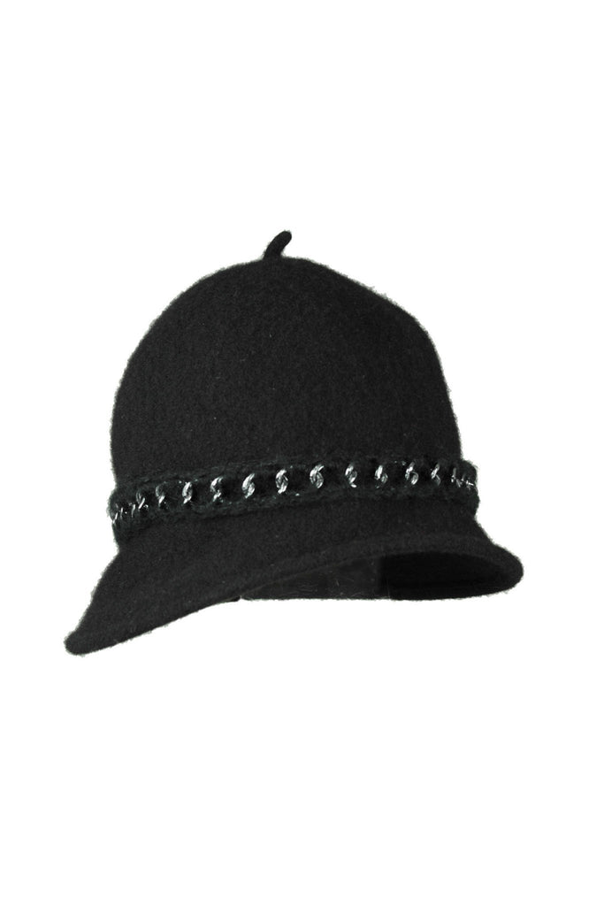 Chain Detail Black Hat