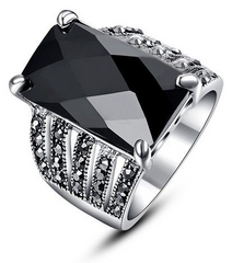 Black Square Crystal Glass Stone Ring - J20Style - 1