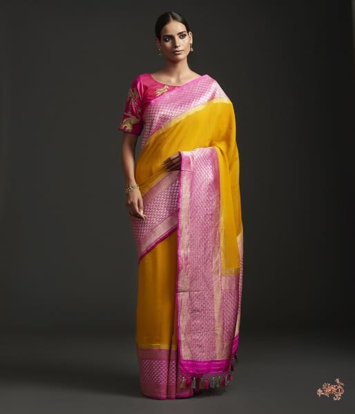 Handwoven Banarasi Georgette Saree With A Kadhiyal Contrast Border Saree