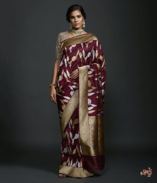 Wine Kadhwa Jangla With Intricate Floral Jaal In Sona Rupa Zari Saree
