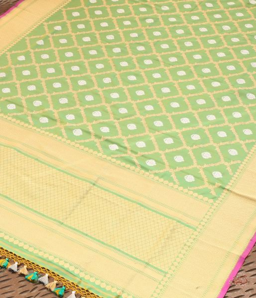 Green And Yellow Shot Color Kadhwa Jangla Dupatta Dupatta