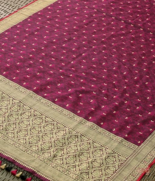 Purple And Pink Tanchoi Dupatta With Kadhwa Border Pallu Dupatta