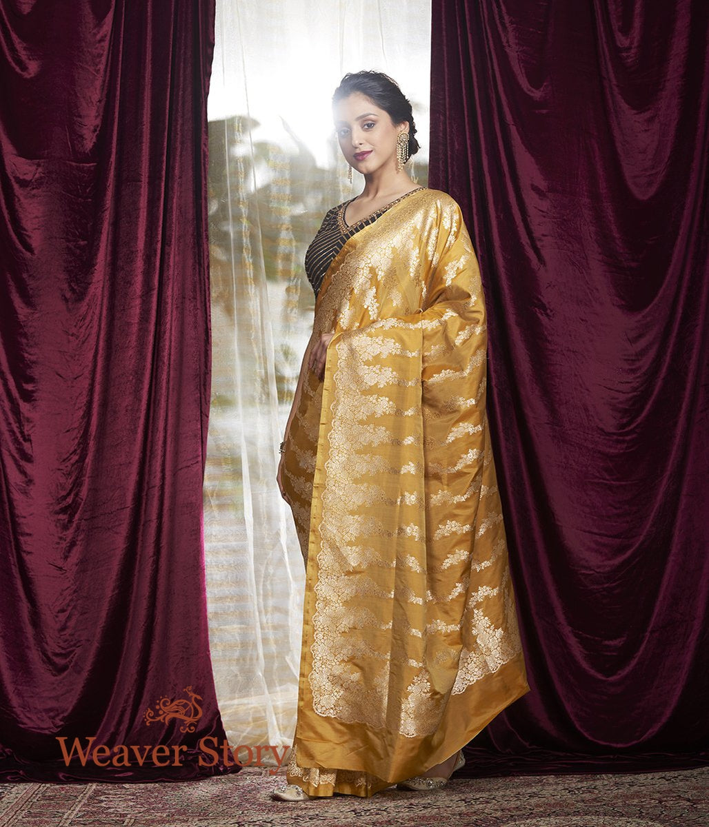 Handwoven Gold Banarasi Saree with Floral Bel Woven Vertically