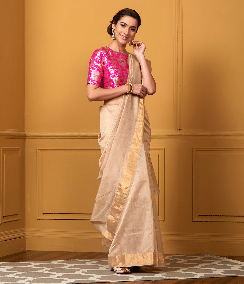 Handwoven Peach All Over Small Zari Booti Saree