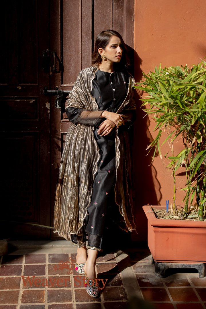 Black Long Embroidered Kurta with Grey Scalloped Dupatta