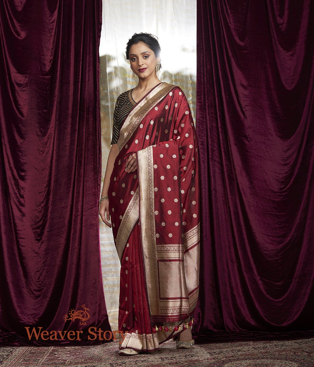 Handwoven Red and Black Dual Tone Asharfi Booti Saree