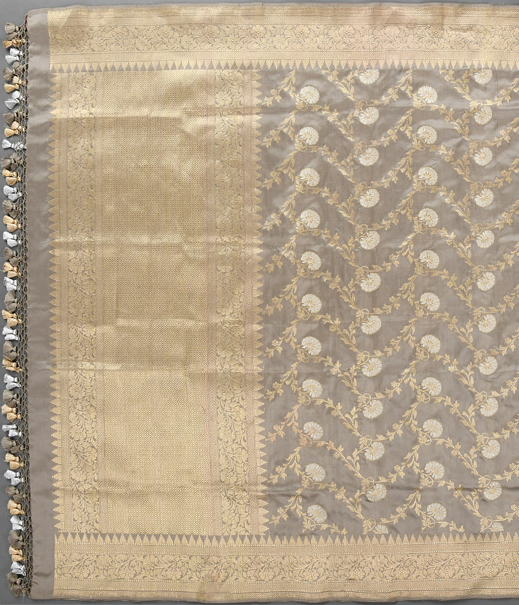 Handwoven Light Grey Kadhwa Jangla Dupatta