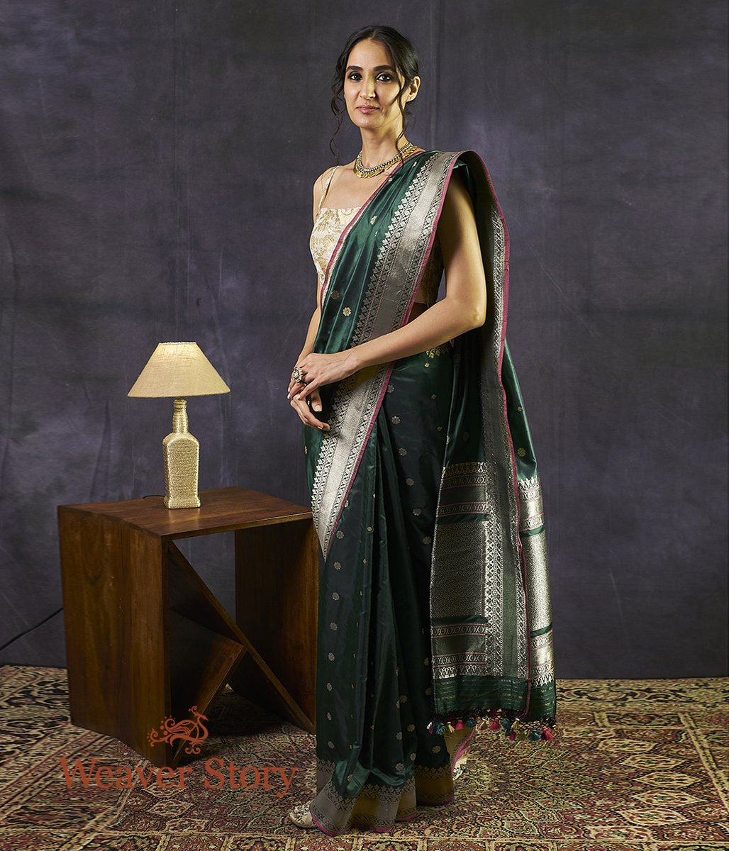 Handwoven Bottle Green Dual Tone Saree with Kadhwa Booti