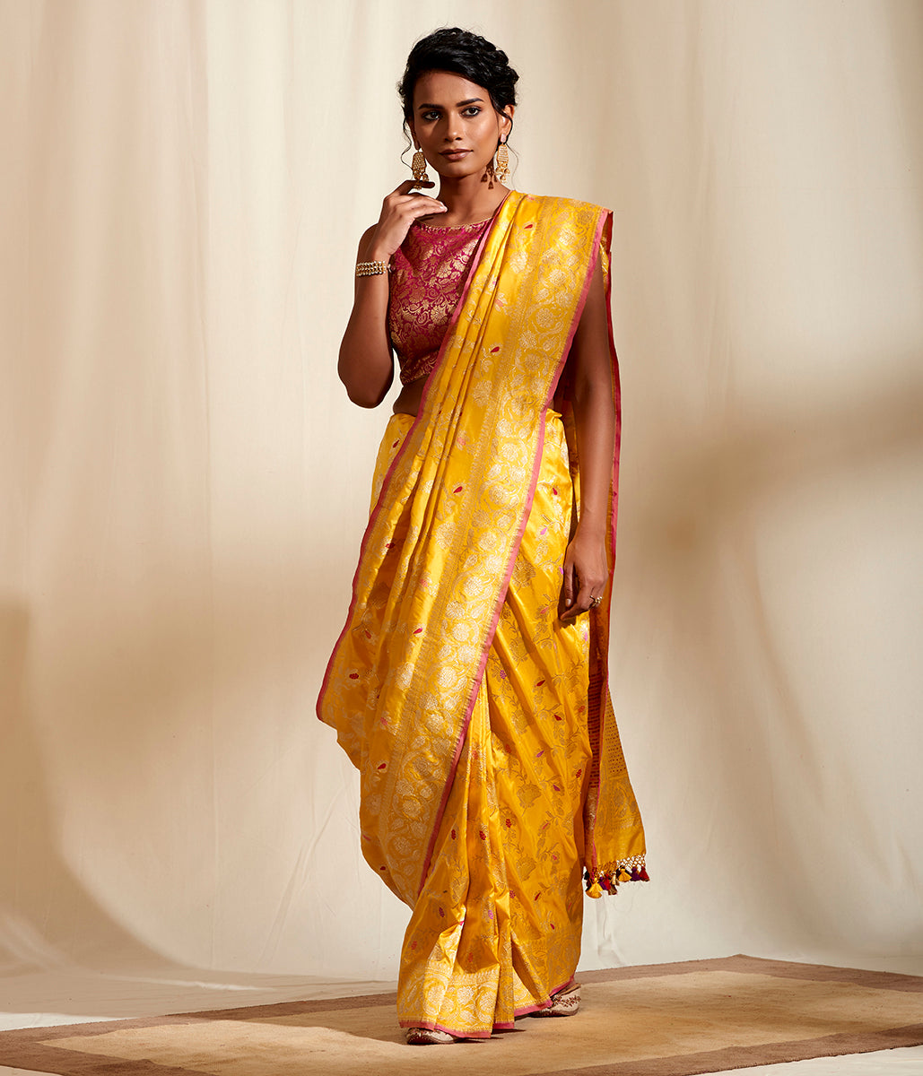 Yellow Kadhwa Jaal With Meenkaari