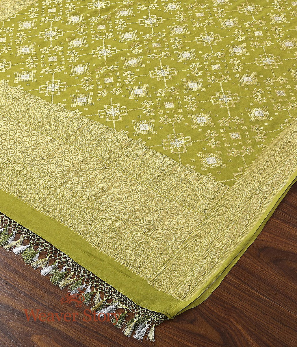 Handwoven Banarasi Georgette Cutwork Dupatta in Fresh Green