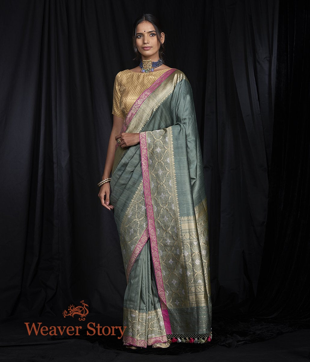 Handwoven Grey Tusser Saree with Kadhiyal Border