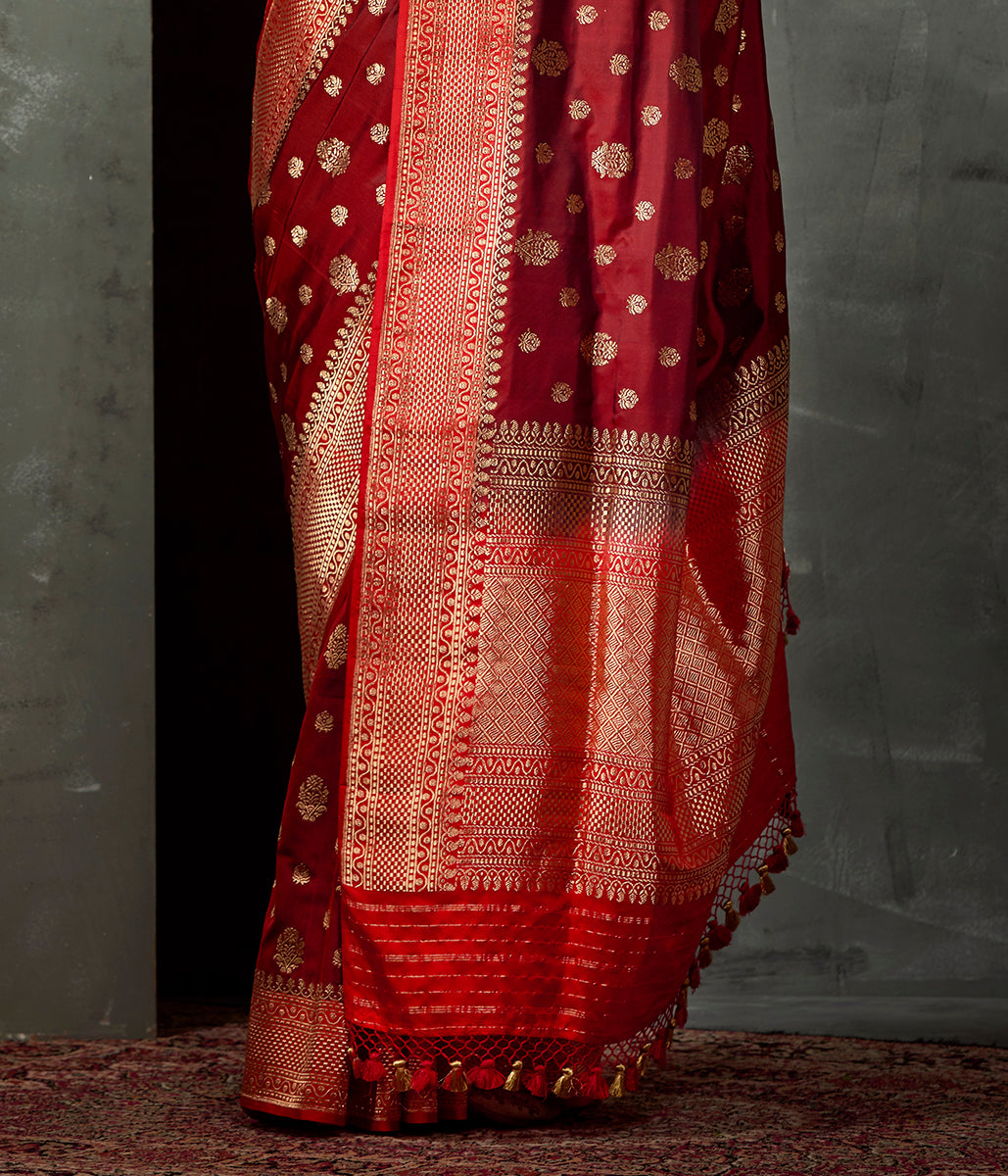 Handwoven Rust Ektara Saree with Kadhwa Boota and Red Border