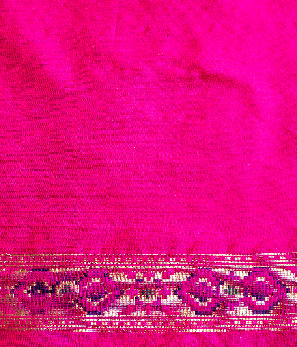 Handwoven Orange Pink dual tone Patola Saree with Pink Border