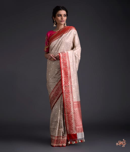 Offwhite Dampaj Weave Saree With Kadhiyal Borders In Red Saree