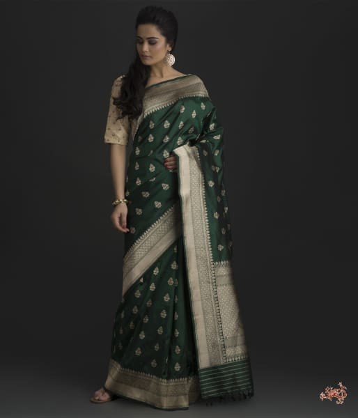 Emerald Green Ektara Weave Saree With Delicate Leaf Motifs Saree