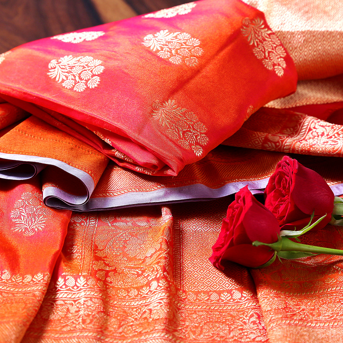 Red leaf motif boota dupatta with mauve selvedge