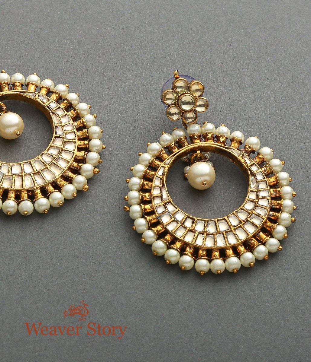 Round Earrings with Kundan and Pearls