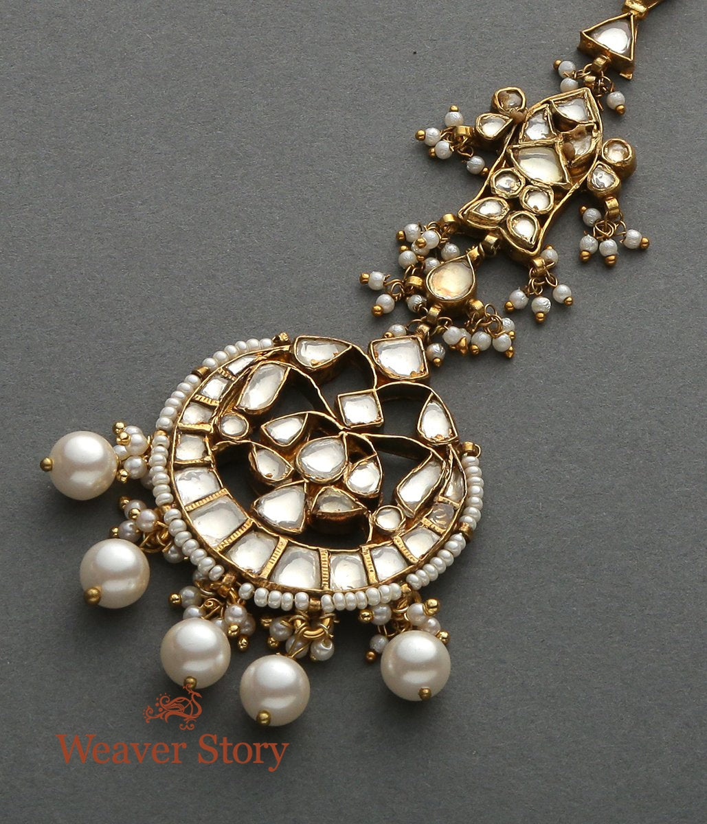 Antique Kundan Tikka with Fish Motif