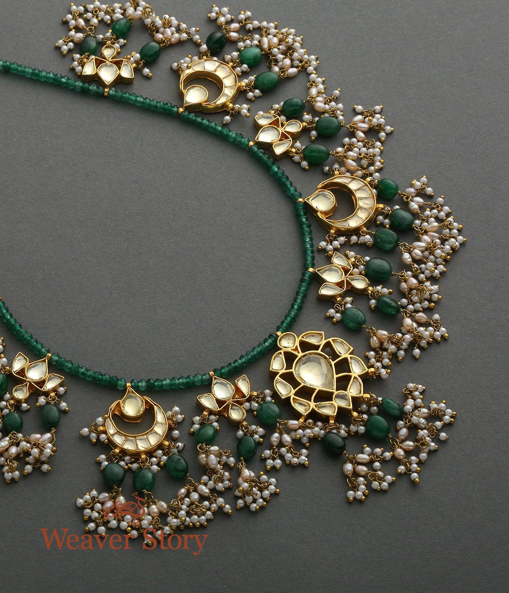 Emerald String Necklace with Kundan Pendants